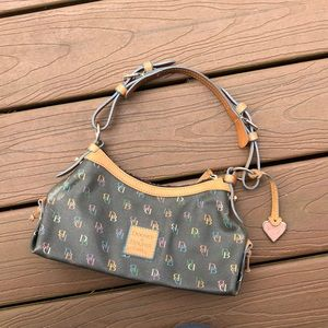 🛑Small Dooney and Bourke purse🛑